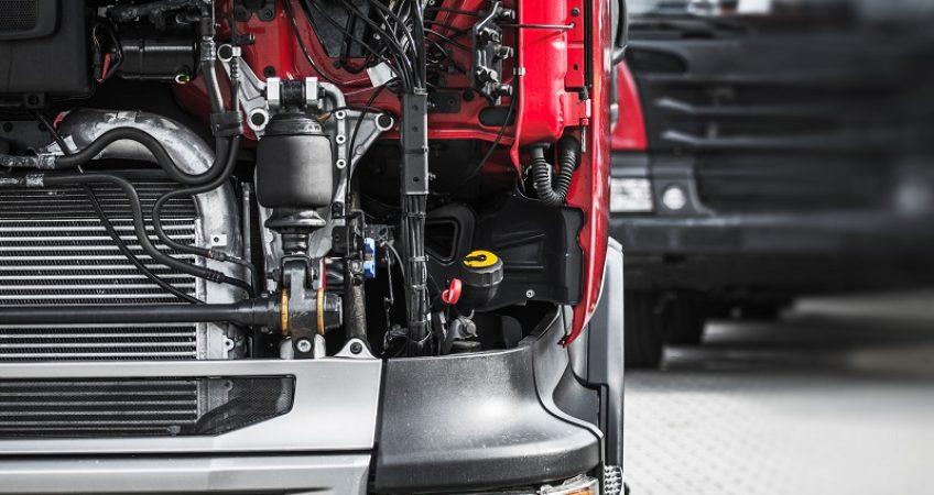 wymiana oleju w ciężarówce